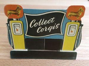 【送料無料】模型車 モデルカー スポーツカー コーギーフューエルポンプカードガソリンステーションcorgi toys petrol pump card display tankstelle