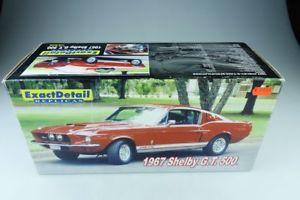 【送料無料】模型車 モデルカー スポーツカー フォードマスタングクーペボックス