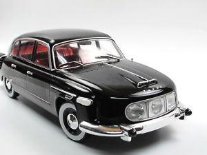【送料無料】模型車 モデルカー スポーツカー タトラブラックfoxtoys tatra 6031 baujahr 1957 schwarz 118 limited edition 500