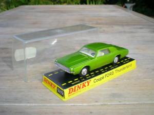 【送料無料】模型車 モデルカー スポーツカー フォードサンダーバードdinky toys 1419 ford thunderbird aa