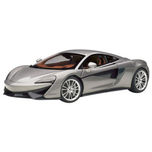 【送料無料】模型車 モデルカー スポーツカー マクラーレンシルバーmclaren 570s silver 118 76043 autoart