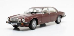 【送料無料】模型車 モデルカー スポーツカー ジャガーシリーズレッドスケールモデルカルトjaguar xj series iii rot met 118 cult scale models