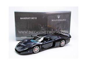 【送料無料】模型車 モデルカー スポーツカー マセラティautoart 118 maserati mc12 2004 75802