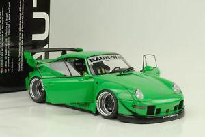 【送料無料】模型車 モデルカー スポーツカー ポルシェソフトウェアライセンスラフワールドグリーン1996 porsche 911 993 rwb rauhwelt grn 118 autoart 78151