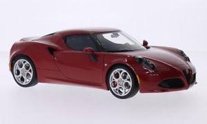【送料無料】模型車 モデルカー スポーツカー アルファロメオalfa romeo 4c, rot, 118, autoart