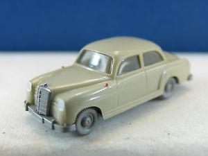 【送料無料】模型車 モデルカー スポーツカー メルセデスwiking pkw 2202 mercedes 180  x1230