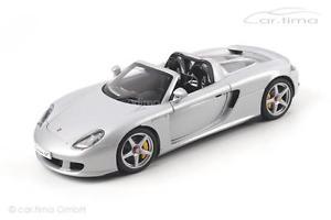 【送料無料】模型車 モデルカー スポーツカー ポルシェカレラシルバーporsche carrera gt silber autoart 118 78046