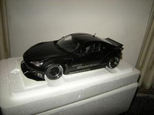 【送料無料】模型車 モデルカー スポーツカー ロケットバニートヨタマットブラックブラック