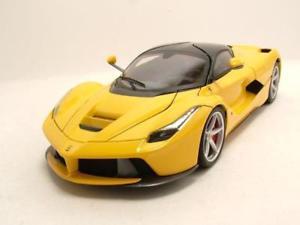 【送料無料】模型車 モデルカー スポーツカー フェラーリフェラーリイエローモデルカーホットホイールエリートferrari laferrari 2013 gelb, modellauto 118 hot wheels elite