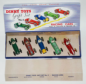 【送料無料】模型車 モデルカー スポーツカー レースカーdinky toys gift set 4 racing cars in professioneller reprobox