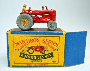 【送料無料】模型車 モデルカー スポーツカー マッチフェンダーボックストターmatchbox rw 4a tractor mit kotflgeln rot in b box