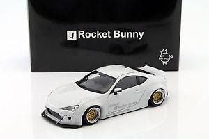【送料無料】模型車 モデルカー スポーツカー ロケットバニートヨタ