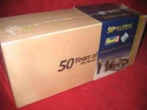 【送料無料】模型車 モデルカー スポーツカー メルセデスベンツrevell 09050 118 mercedesbenz 300 se amp; zwei figuren neu ovp