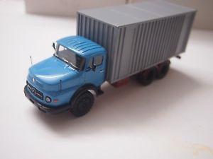 【送料無料】模型車 モデルカー スポーツカー mercedes lp 2624 mit container