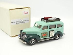 【送料無料】模型車 モデルカー スポーツカー ダラムナイアガラフォールズツアーシボレーdurham classics 143 chevrolet passengers niagara tours 1941