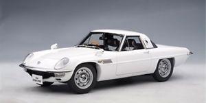 【送料無料】模型車 モデルカー スポーツカー マツダコスモスポーツautoart mazda cosmo sport white 118 75931