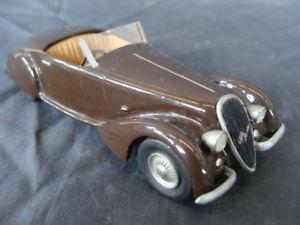 【送料無料】模型車 モデルカー スポーツカー アルファロメオクモアイデアビンテージalfa romeo 2900 b 8 c spider 1938 idea 3 n 14 143 old toys vintage