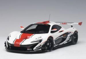 【送料無料】模型車 モデルカー スポーツカー マクラーレンホワイトレッドストライプmclaren p1 gtr gloss whitered stripes 2015 118 81541 autoart