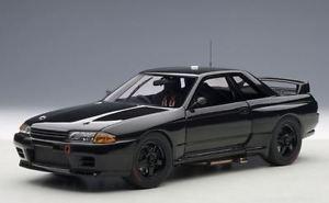 【送料無料】模型車 モデルカー スポーツカー スカイラインプレーンボディバージョンautoart 89280 nissan skyline gt r r32 plain body version