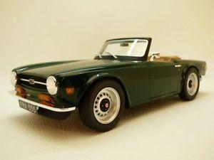 【送料無料】模型車 モデルカー スポーツカー triumph tr6 cabriolet vert anglais 118