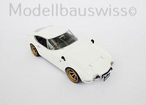 【送料無料】模型車 モデルカー スポーツカー ホワイトトヨタチューニングtoyota 2000 gt baujahr 1967 weiss 118 tuning rar