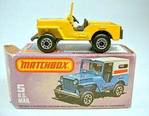 【送料無料】模型車 モデルカー スポーツカー マッチジープブラウンクラブmatchbox sf nr05c us mail jeepgliding club in gelb rare braune bodenplatte