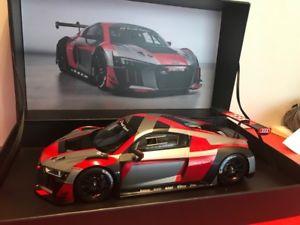 【送料無料】模型車 モデルカー スポーツカー アウディプレゼンテーションカーアウディスパークaudi r8 lms presentation car 118 audi spark neu amp; ovp
