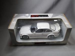 【送料無料】模型車 モデルカー スポーツカー モデルボックスホワイトモデルae503 ut models 118 bmw m3 e36 gtr ref 20482 white in box modele rare
