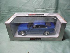 【送料無料】模型車 モデルカー スポーツカー モデルボックスモデルae473 ut models 118 bmw m3 e36 in box modele rare