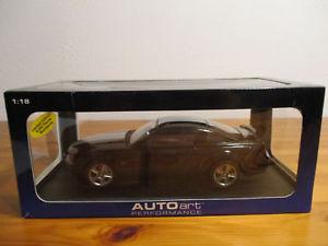 【送料無料】模型車 モデルカー スポーツカー フォードムスタング gor 118 autoart ford mustang gt neu ovp