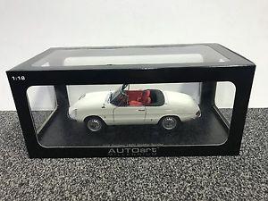 【送料無料】模型車 モデルカー スポーツカー アルファロメオalfa romeo 4c white 118 autoart