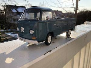 【送料無料】模型車 モデルカー スポーツカー プラットフォームトラック118 schuco vw t2a pritschenwagen