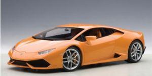 【送料無料】模型車 モデルカー スポーツカー ランボルギーニオレンジメタリックautoart lamborghini huracan lp6104 arancio borealis orange metallic 118 7460
