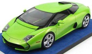 【送料無料】模型車 モデルカー スポーツカー ランボルギーニクーペヴェルデスマートlamborghini 595 coupe zagato verde itaca 2014 118 ls18_01i looksmart