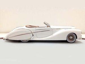 【送料無料】模型車 モデルカー スポーツカー ロードスターilario delahaye 135ms roadster saoutchik 1949 sn801424 143 chro41