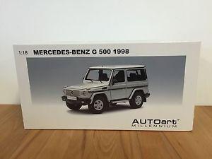 【送料無料】模型車 モデルカー スポーツカー メルセデスシルバーシルバーmercedesmb g 500 1998 swb silver silber 118 autoart