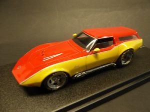 【送料無料】模型車 モデルカー スポーツカー シボレーコルベットステーションワゴンシャークノーズケンタッキー