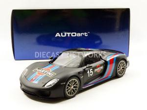【送料無料】模型車 モデルカー スポーツカー ポルシェスパイダーマティーニautoart 118 porsche 918 spyder martini 77929