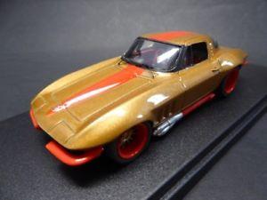 【送料無料】模型車 モデルカー スポーツカー シボレーコルベットクーペカスタムロケンタッキー