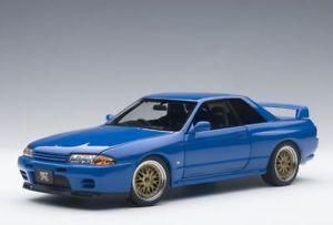 【送料無料】模型車 モデルカー スポーツカー スカイラインチューニングバージョンモデルカーnissan skyline gtr r32 vspec ii tuned version blau, modellauto 118 autoart