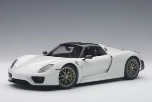【送料無料】模型車 モデルカー スポーツカー ポルシェスパイダーパッケージモデルカー