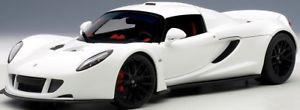 【送料無料】模型車 モデルカー スポーツカー スパイダーautoart 75404 118 hennessey venom gt spyder 2010 white neu