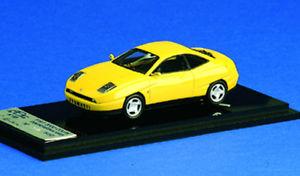 【送料無料】模型車 モデルカー スポーツカー フィアットピニンファリーナクーペイエローabc 035 fiat 2000 coupe' pininfarina 1993 yellow