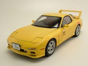 【送料無料】模型車 モデルカー スポーツカー マツダモデルカーmazda efini rx7 fd3s initial d legend 1 gelb, modellauto 118 autoart