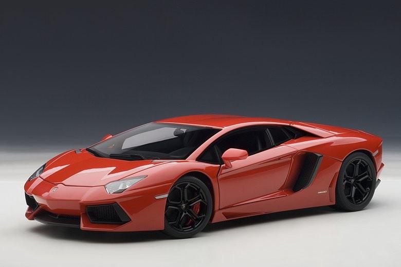 【送料無料】模型車 モデルカー スポーツカー ランボルギーニロッソアンドロメダautoart 74669 118 signature lamborghini aventador lp7004 rosso andromedare