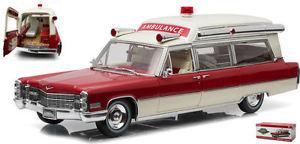 【送料無料】模型車 モデルカー スポーツカー キャデラックトップモデルライトcadillac samp;s 1966 high top ambulance red white 118 model green light