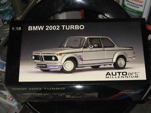 【送料無料】模型車 モデルカー スポーツカー ターボシルバーautoart bmw 2002 turbo 118 in silber