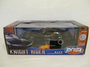 【送料無料】模型車 モデルカー スポーツカー ジョイライドナイトライダーポンティアックトランスパテgol 118 ertl joy ride knight rider 1982 pontiac trans am kitt lauflicht neu
