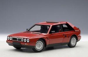 【送料無料】模型車 モデルカー スポーツカー ランチアデルタautoart 74771 lancia delta s4 red 1985