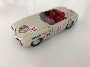 【送料無料】模型車 モデルカー スポーツカー メルセデスベンツメートルcmc 124 mercedes benz sl 300 1957 m030